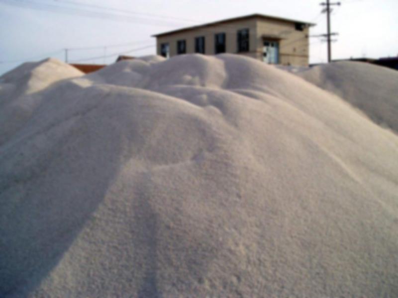 辽宁高纯石英砂生产厂家教您区别海砂、河砂、石英砂